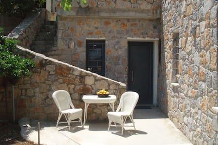 Summer studio at Nea Epidavros - Nea Epidavros - Kondominium