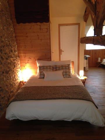 chambre familliale - Grignols - Bed & Breakfast