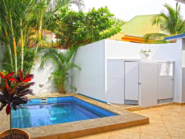Top Villa Tamarindo Near the Beach & Center