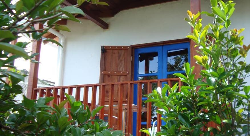 Casita Colonial in Orosi for 2 - 4 PAX - Orosi - Rumah