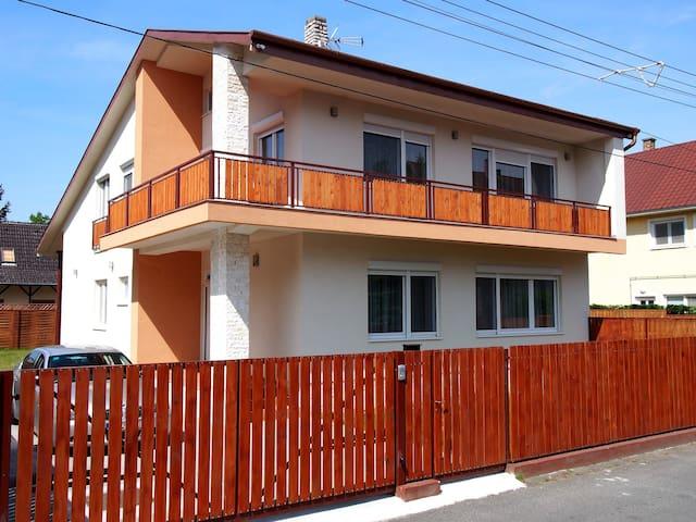 Avanti Apartman, 100m-re a strand - Balatonboglár - Casa