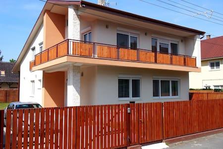Avanti Apartman, 100m-re a strand - Balatonboglár