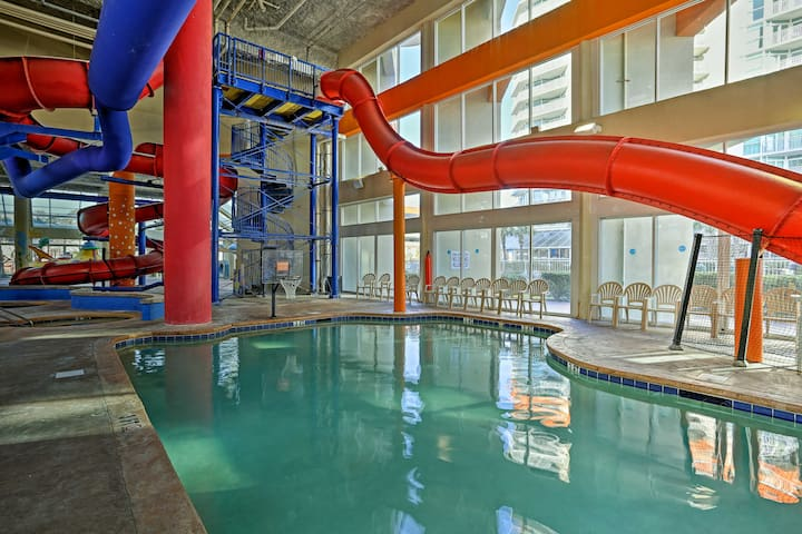 This unit offers amazing community amenities including 2 water parks & 4 pools.