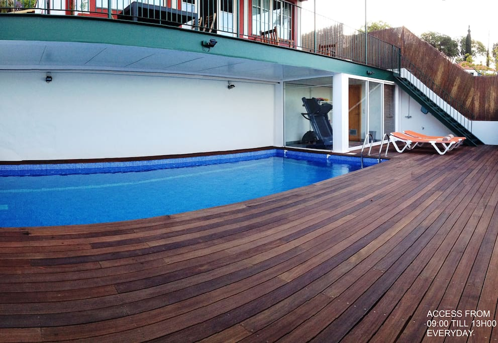 POOL OUTDOOR