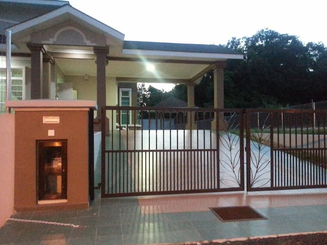 TBA Ayer Keroh Holiday Home