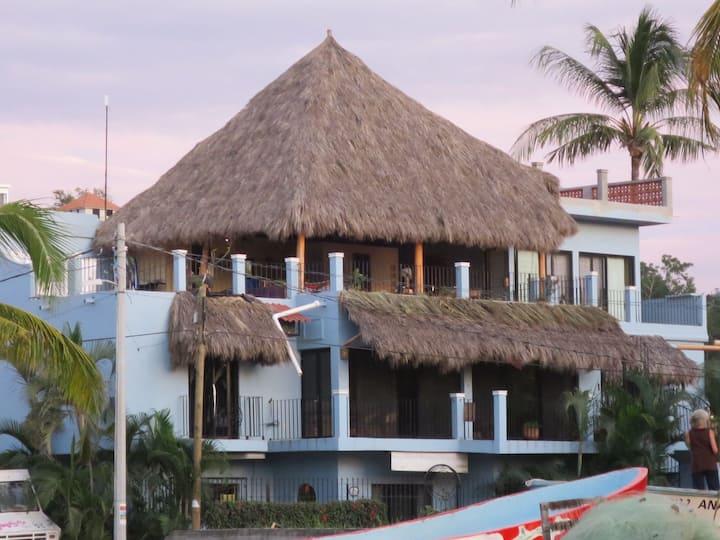 SEA FEVER VILLA - EL JARDIN SUITE