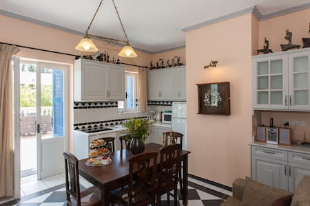 TITIKA family flat with big veranda - Pirgos Psilonerou