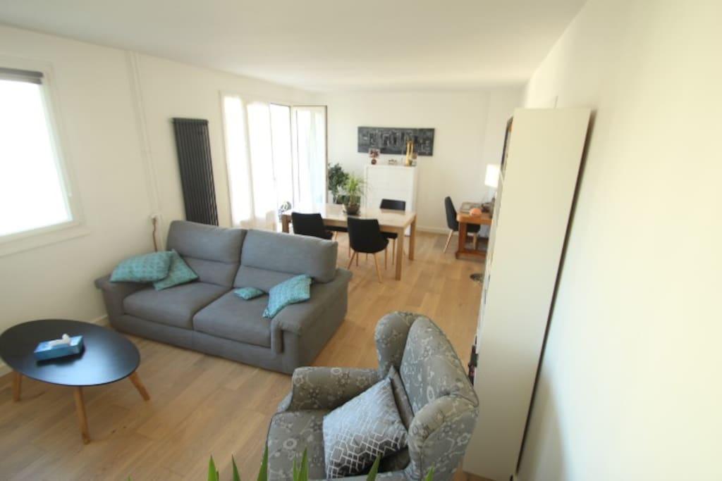 appartement 80 m2 2 chambres parking priv flats for rent in la celle saint cloud le de. Black Bedroom Furniture Sets. Home Design Ideas