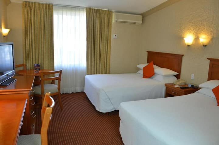 Immaculate Room Executive At La Paz