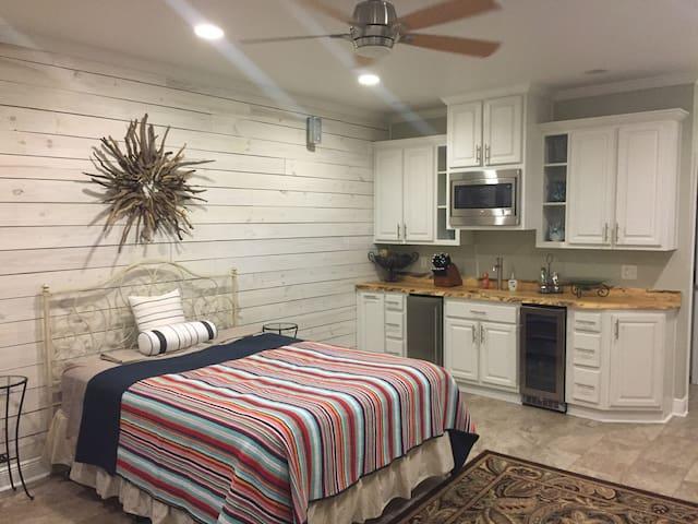 Live Oak Cottage