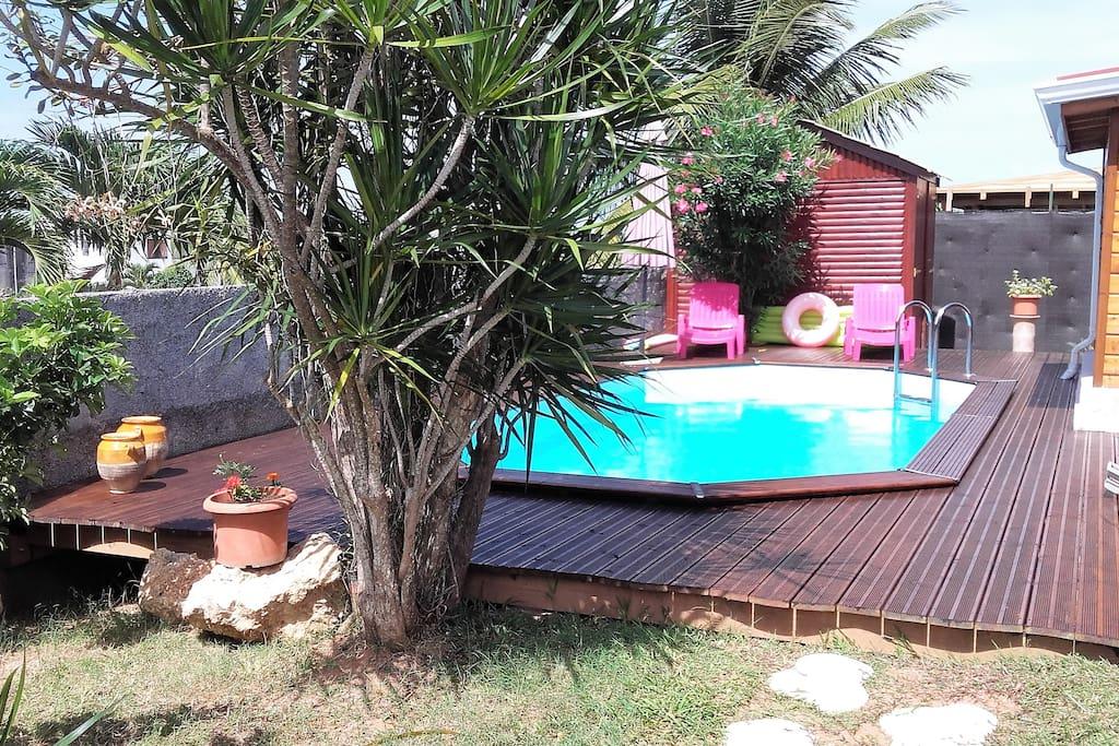 location saisonni re t3 avec piscine maisons louer capesterre belle eau basse terre. Black Bedroom Furniture Sets. Home Design Ideas