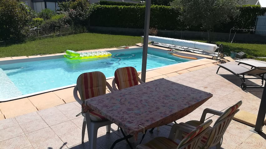 Chambre ds villa pres Airport/Airbus/Tramway/Golf