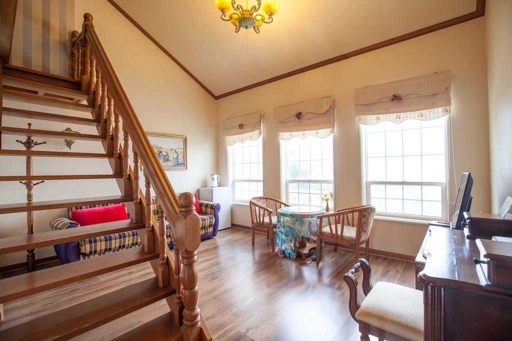 Duplex suite 203/ 533 sqft (15평 복층형 객실 203호)