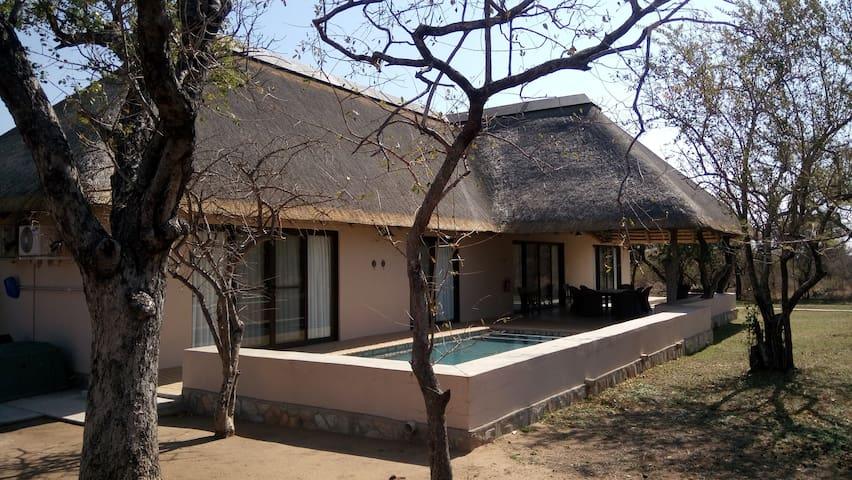 3-Bedroom House In Wildlife Estate 114/Hoedspruit