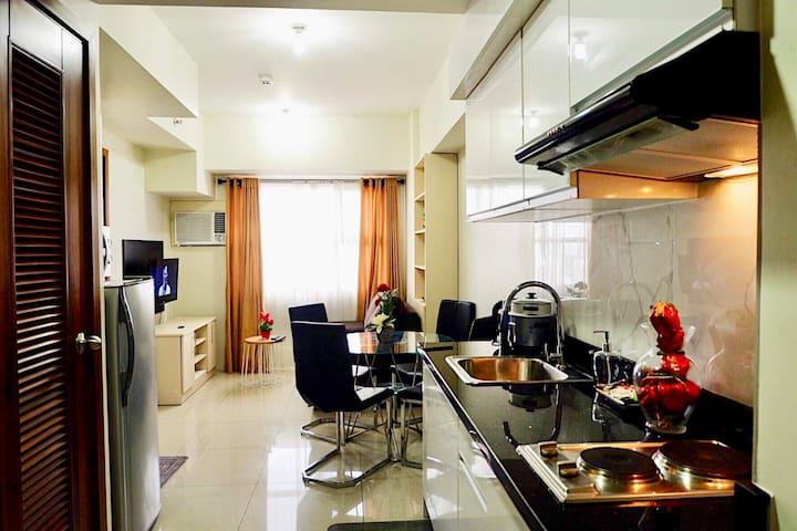 Modern Living in the Heart of Cebu City 1BR w/Pool