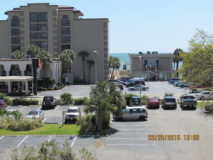 3 Bedromm  Oceanview Condo in Mrytle Beach