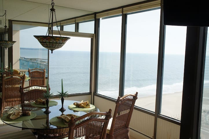 dining area overlooking the Atlantic