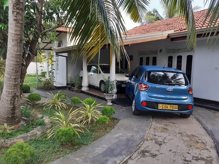 Ann Villa Negombo close to airport in 15 minutes.