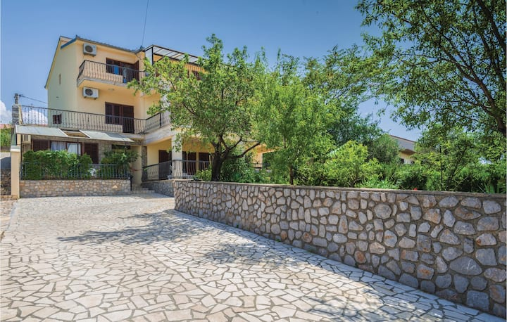 Stunning home in Senj with 2 Bedrooms
