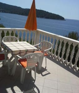 Apartment by the sea-quiet location - Brna