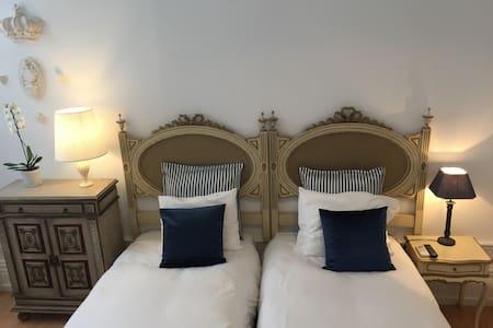 Twin Suite in the city center - Porto