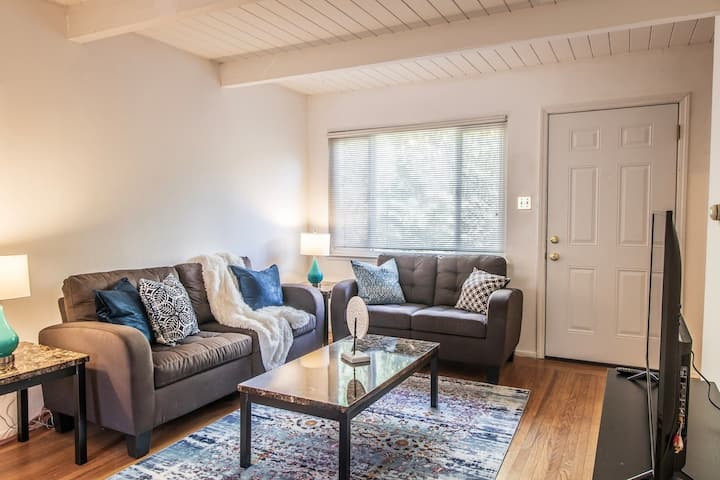 Sunny Two Bed in Richmond