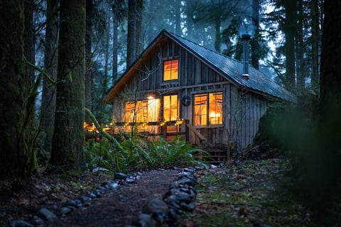 Cozy up in historic Cedarwood Cabin