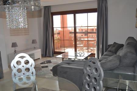 3 bedroom duplex apartment with sea views - Benahavís