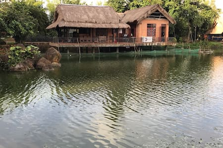 Nguyễn Thanh's Orchid Pond Homestay - Đắk Mil - Maison