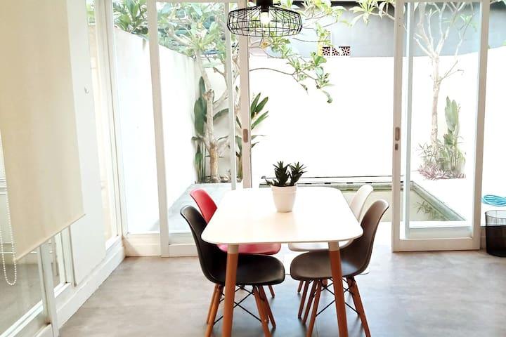 Studio 8c Canggu Loft - MONTHLY/ YEARLY rental