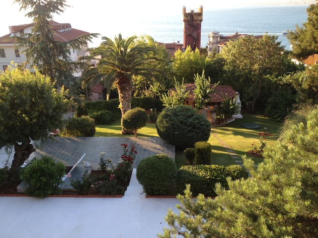 4 rooms,total sea view with pool - Adalar - Casa