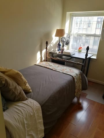 Central Washington, Small room,Share bath,A21
