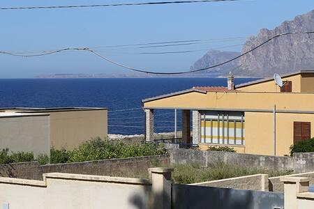 Ampia villa vista mare - Crocefissello - 별장/타운하우스