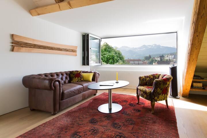 Spiez - Wohnen im Dachstock: Raum, Licht, Aussicht