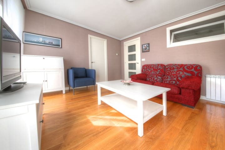 50 meters from Concha beach+WIFI +PARKING (option) - Donostia - Byt