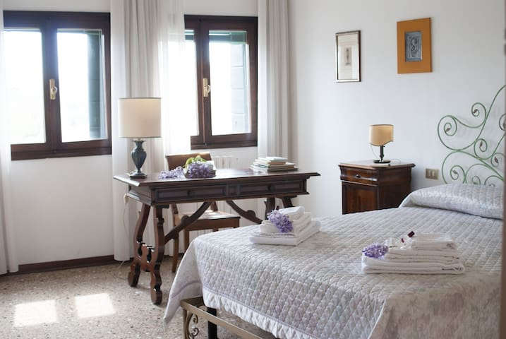 Apartment in a typical Venetian Palace
