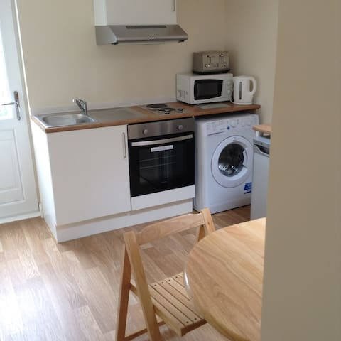 Evergreens Bletchley Double Bedroom - Bletchley - Apartamento