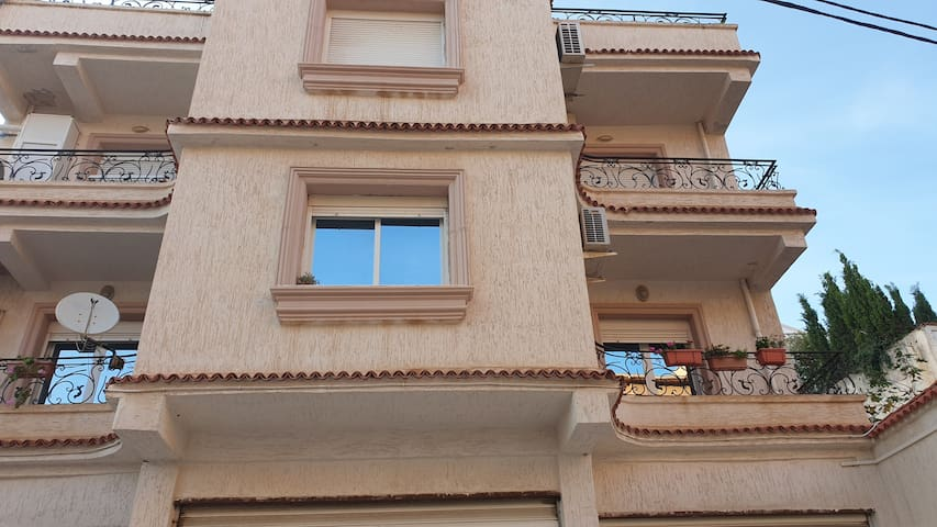 Flat 150m from the biggest street of Dely Ibrahim
