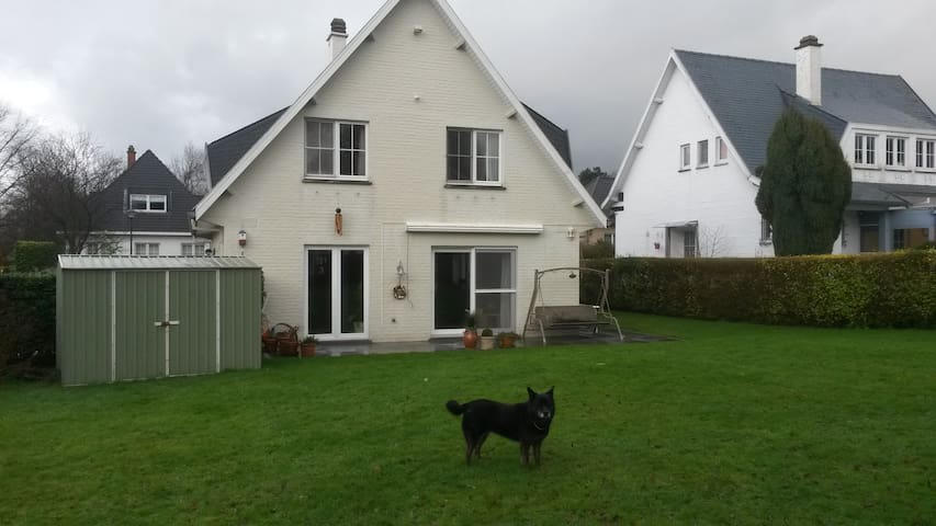 Ten minutes from Brussels Airport - Sterrebeek - House