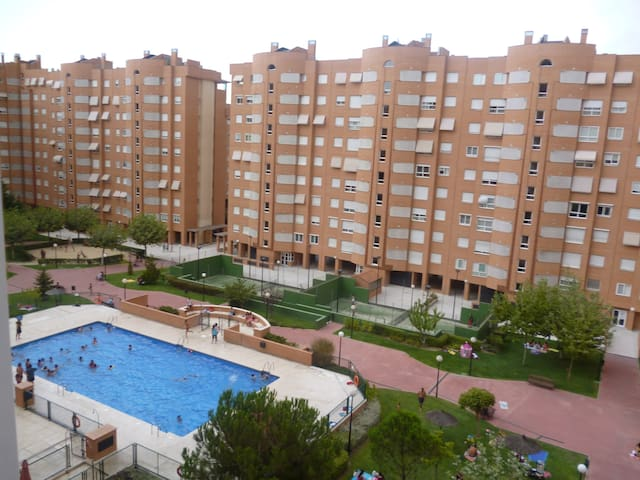 HABITACION TRIPLE - Madrid - Kondominium