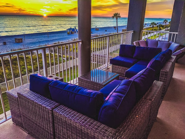 Completely Renovated with Amazing Oceanfront Views from All Rooms ~ 2nd Floor