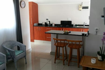 Luxury Cottage on Brisbane Umbilo- Glenmore - Wifi