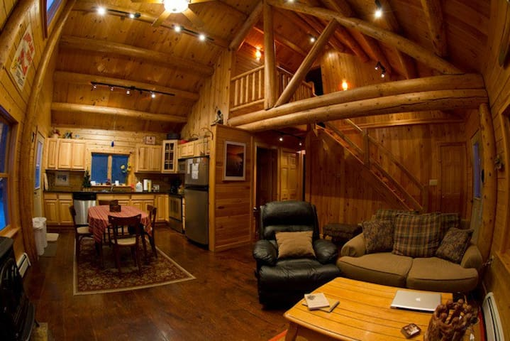 Adirondack Log Home Romantic Clean - Saranac - Andre