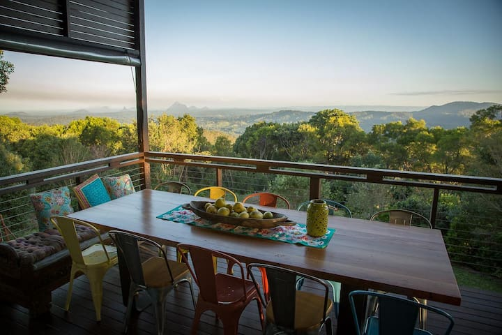 Rose Blossom Escape - Maleny - Wootha - Bed & Breakfast