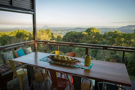 Rose Blossom Escape - Maleny