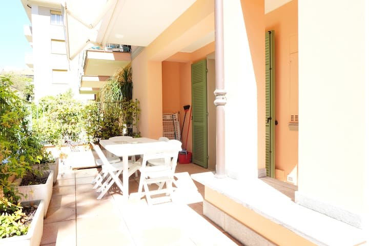 Two-bedroom apartment with private sunny garden