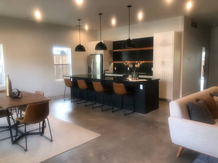Luxury Condo in Fort Worth Hot Spot