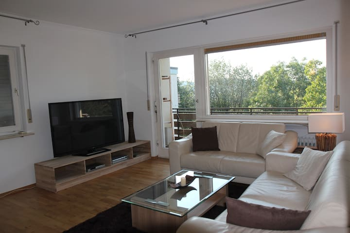 Cosy 2 room Apt, Balcony, Nice View - Gernsbach - Appartement