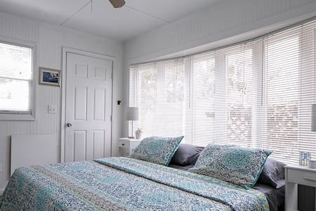 Beachy room in Cherry Grove - Sayville