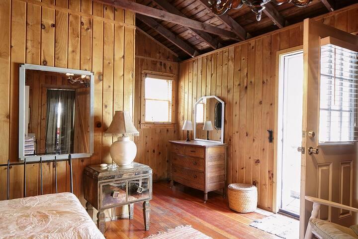 Chandelier room in Cherry Grove - Sayville